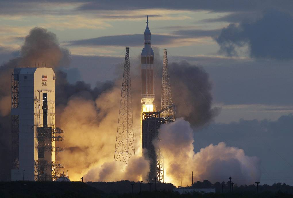 "Запуск ракеты-носителя Delta IV с кораблем ""Орион"", 2014 год AP Photo/Marta Lavandier"